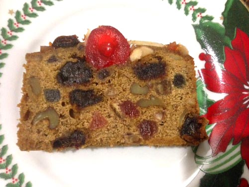 golden fruitcake slice