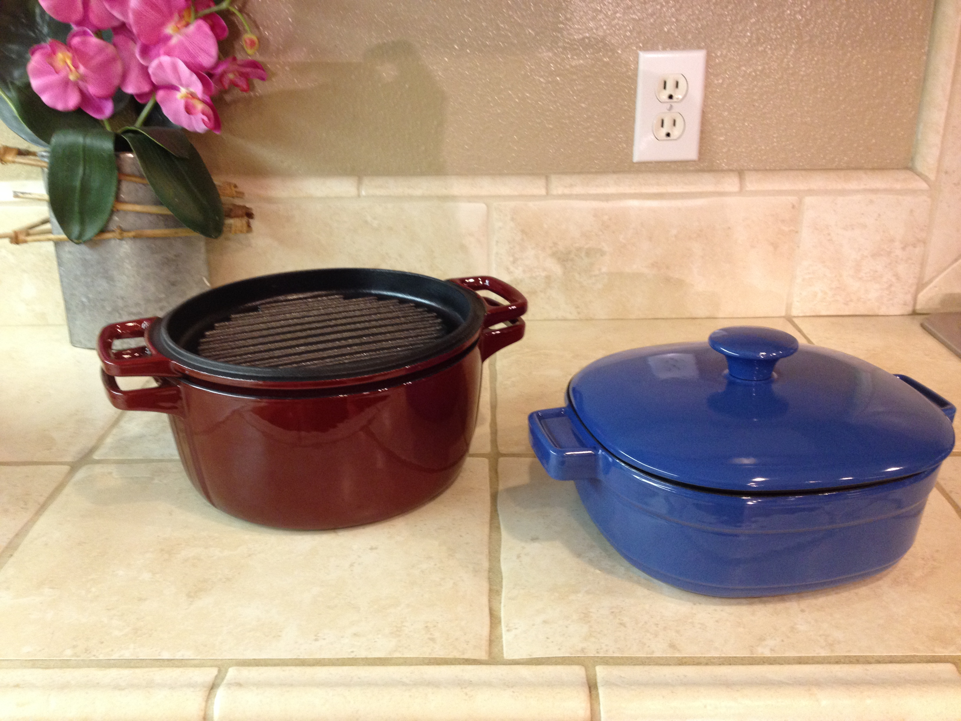 KitchenAid® Cast Iron Casserole Cookware With Lid As A Grill